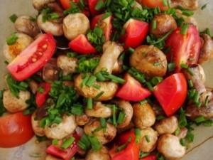 Mushroom,Tomato and Chive Salad