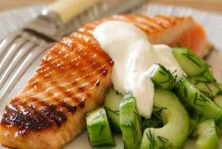 Salmon with Cucumber and Green peppercorns