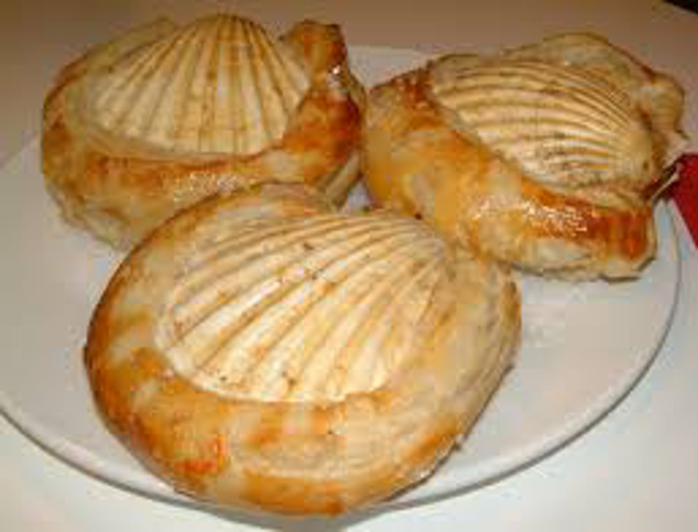 Scallops in Pastry Shells